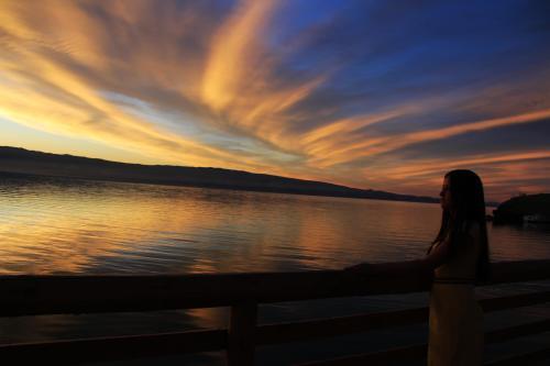 俄罗斯贝加尔湖黄昏美景